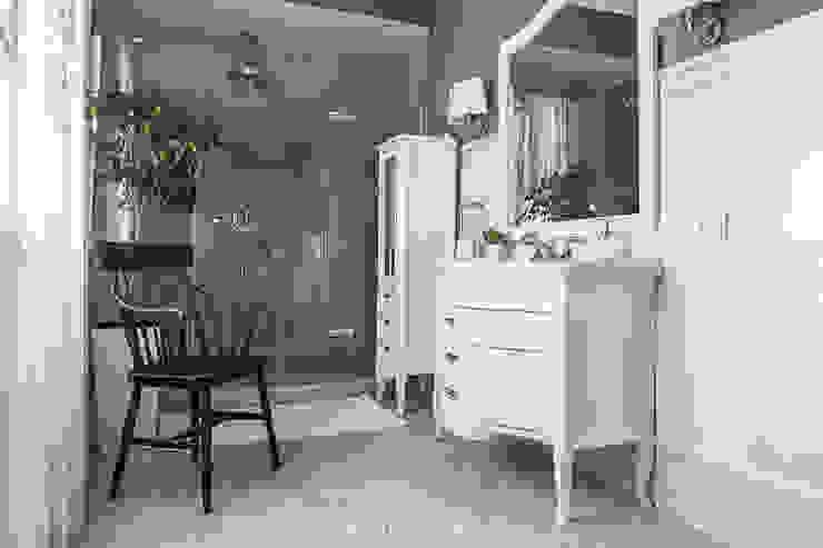 BELOBORODOVDESIGN BathroomBathtubs & showers
