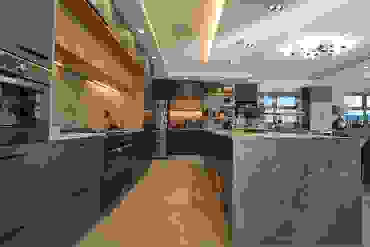 Kitchen by Audio Visual Projects (PTY) Ltd Mediterranean