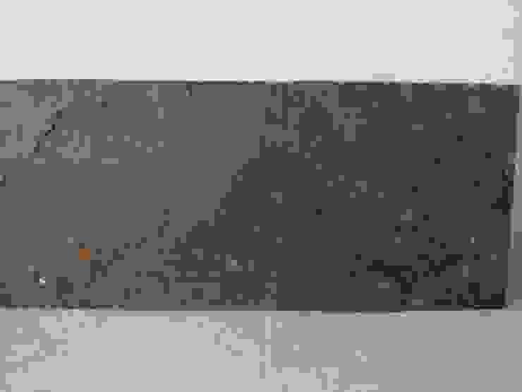 Lámina de roca natural con color en su parte posterior. de Creart Acabados Moderno