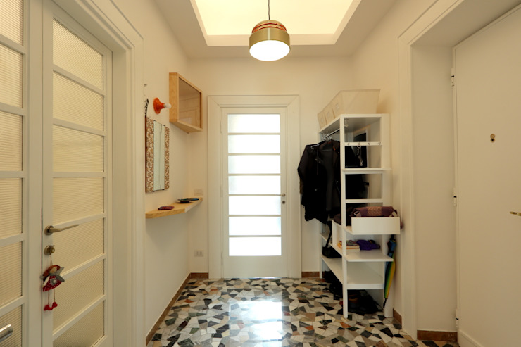 Daniele Arcomano Modern corridor, hallway & stairs