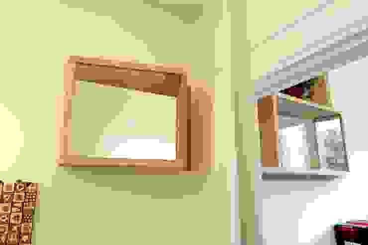 """Ingresso - """"finestre"""" interne Ingresso, Corridoio & Scale in stile moderno di Daniele Arcomano Moderno"""
