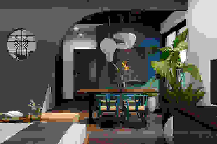 Single Apartment bởi Bdoup Architects Mộc mạc