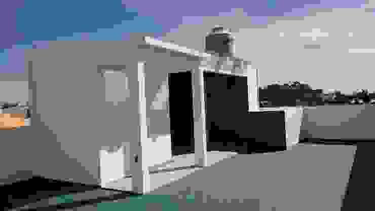 Balkon, Beranda & Teras Modern Oleh TRASSO ATELIER Modern