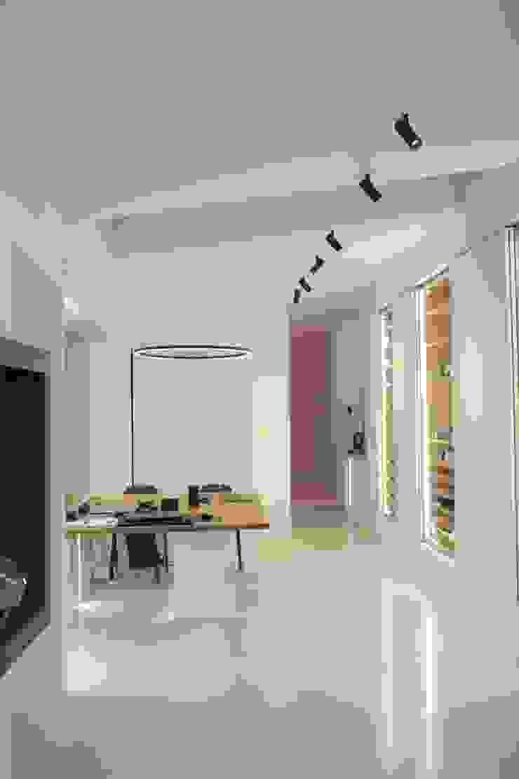 Area progettazione Studio minimalista di Led Lighting SD Minimalista