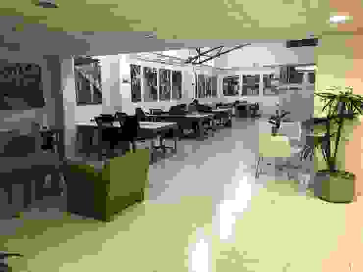 Gil + Gil: Estudios y oficinas de estilo  por GIL+GIL,