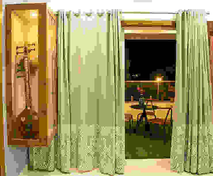 Puertas y ventanas clásicas de Cutting Edge Design Studio Clásico