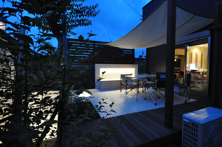 モダンリゾート感のあるリビングテラスガーデン モダンな庭 の 株式会社Garden TIME モダン