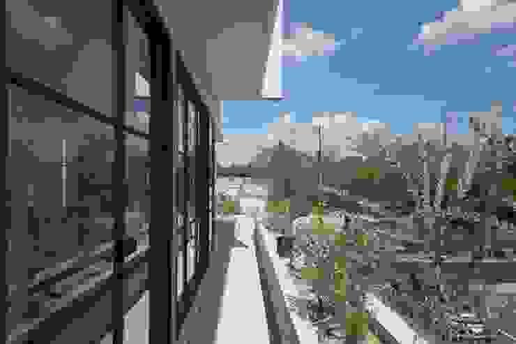 CO2WORKS Balkon Beton Grau