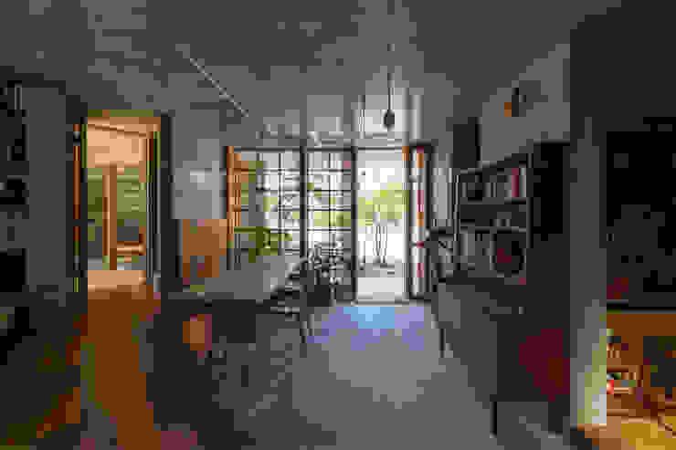 CO2WORKS Moderne Esszimmer