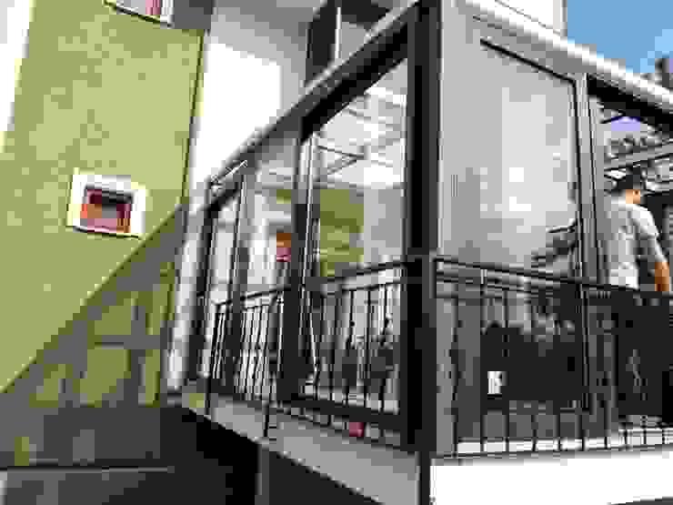 Yapısan Cephe Sistemleri Moderner Wintergarten Gummi Grau