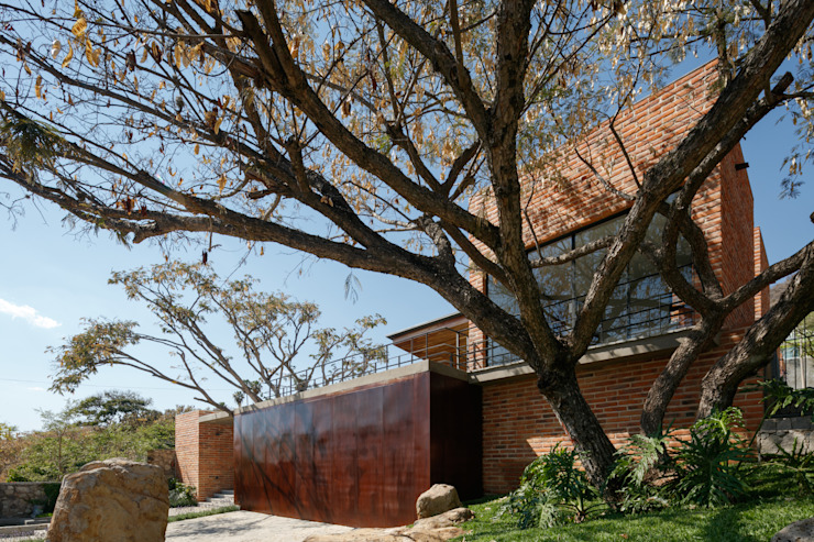 Fachada principal Casas modernas de 3arquitectura Moderno
