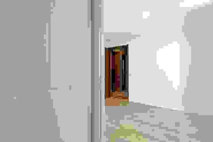 Hall Entrada Archimais Corredores, halls e escadas modernos