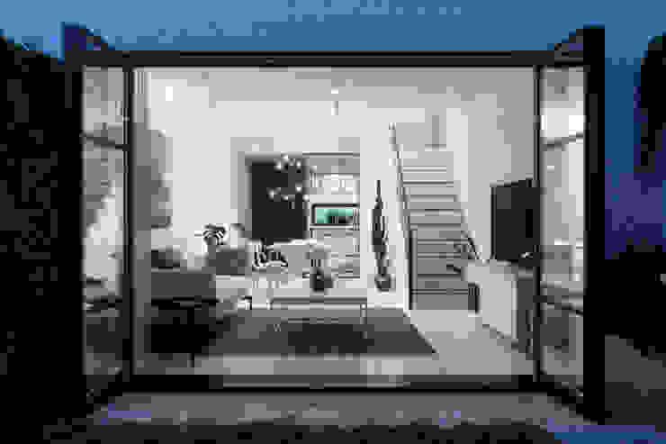 Complejo San Nicanor Livings modernos: Ideas, imágenes y decoración de Estudio BAC Moderno