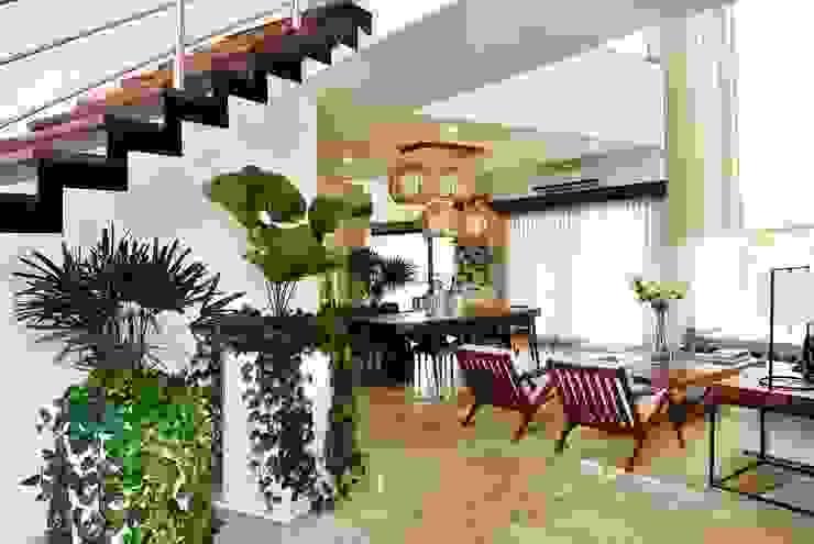 Casa Vista Lagos Pasillos, vestíbulos y escaleras modernos de Excelencia en Diseño Moderno
