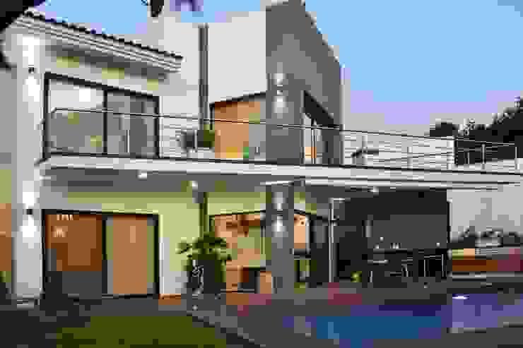 Casa Vista Lagos de Excelencia en Diseño Moderno