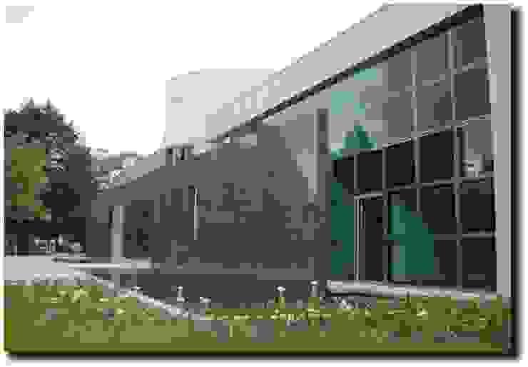 Diseño y ejecución de obra Edicio FRESENIUS MEDICAL CARE de ADI STUDIO S.A.S Clásico Aluminio/Cinc