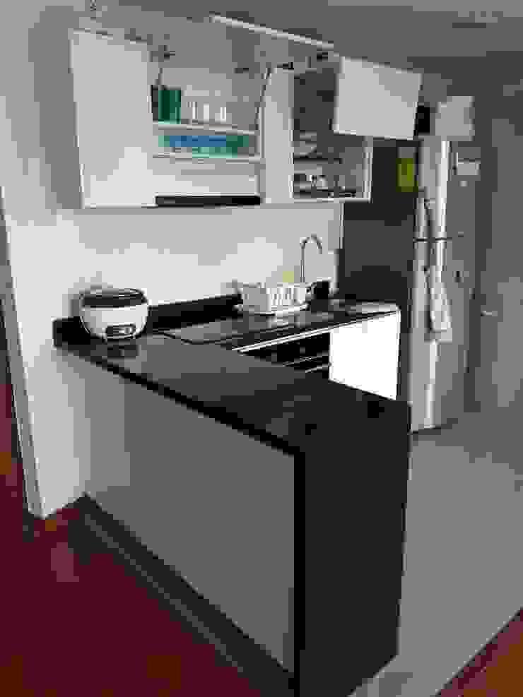Cocina espacios pequeños de Madera & Diseño.co Moderno Aglomerado