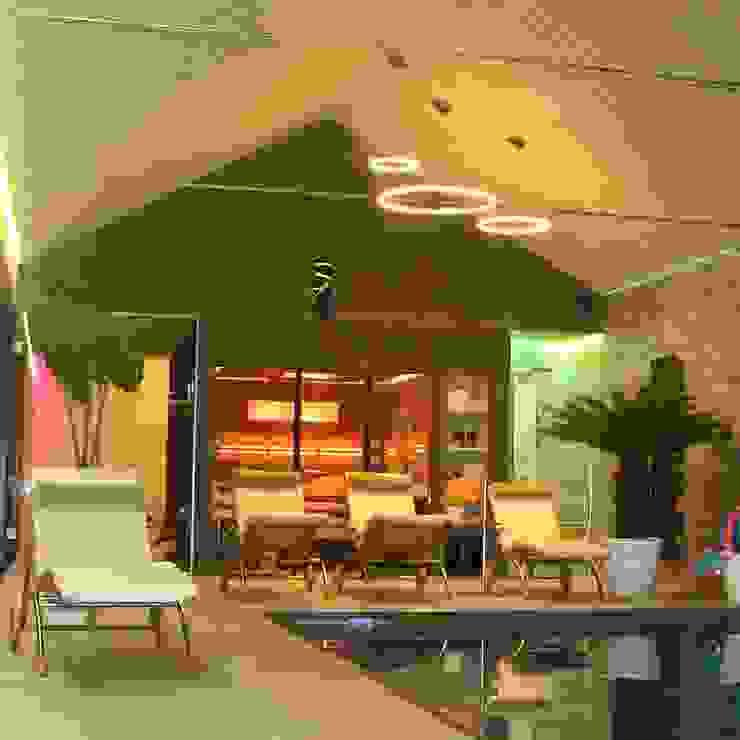 Piscinas de estilo moderno de Licht-Design Skapetze GmbH & Co. KG Moderno