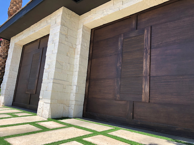 Resistente y llena de estilo. CHD COMPANY Garajes y galpones Madera Acabado en madera