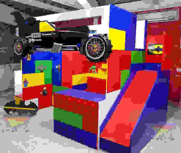 Divertida y fantástica cama alta de Batman lego movie de camas y literas infantiles kids world Moderno Derivados de madera Transparente