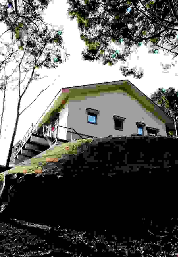 伊豆天城高原の別荘 ーDOVE VAIー の 松井建築研究所 オリジナル