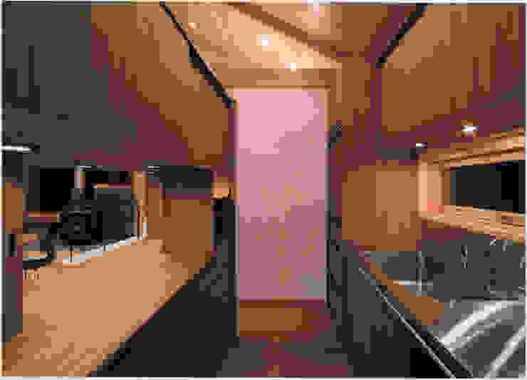 伊豆天城高原の別荘 ーDOVE VAIー オリジナルデザインの キッチン の 松井建築研究所 オリジナル