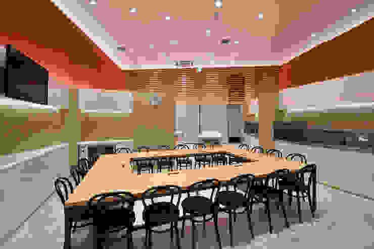 KITZ.CO.LTD 商業空間 鋁箔/鋅 Orange