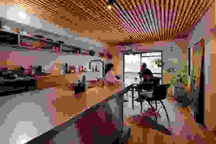 藤森大作建築設計事務所 Scandinavian style dining room Wood Wood effect