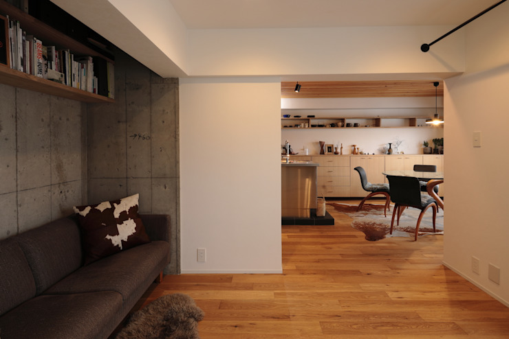 藤森大作建築設計事務所 Living room Wood White