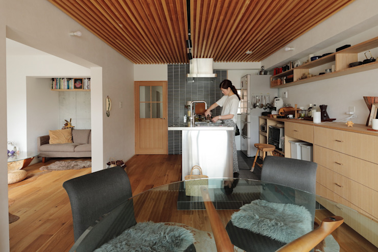 藤森大作建築設計事務所 Built-in kitchens Metal Metallic/Silver