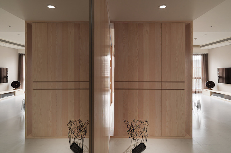 昇陽之道_暖木 現代風玄關、走廊與階梯 根據 形構設計 Morpho-Design 現代風