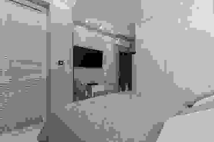 Lux Interiors - projektowanie i aranżacja wnętrz Gdańsk, Gdynia, Sopot Modern style bedroom