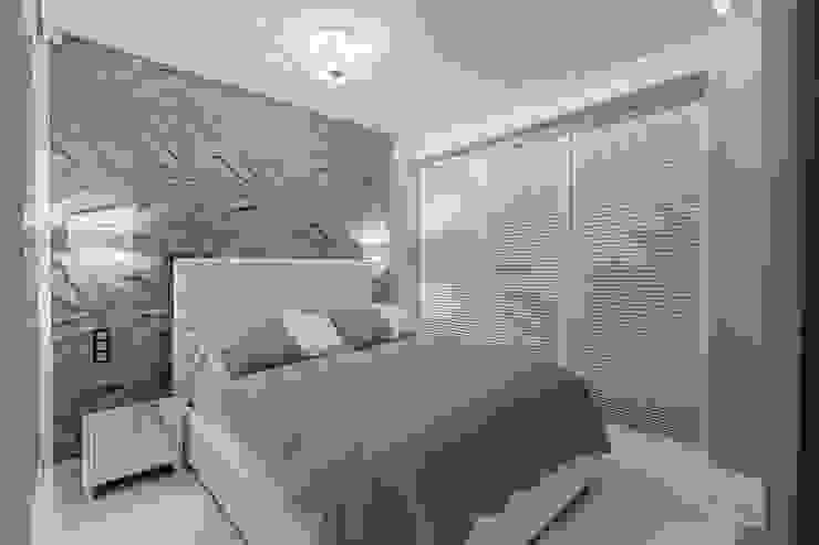 Apartament w Gdyni Nowoczesna sypialnia od Lux Interiors - projektowanie i aranżacja wnętrz Gdańsk, Gdynia, Sopot Nowoczesny