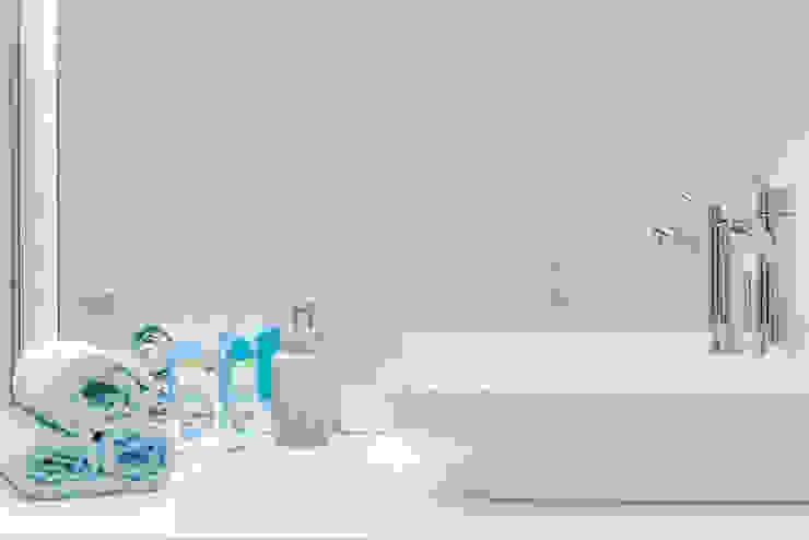 Lux Interiors - projektowanie i aranżacja wnętrz Gdańsk, Gdynia, Sopot Modern bathroom