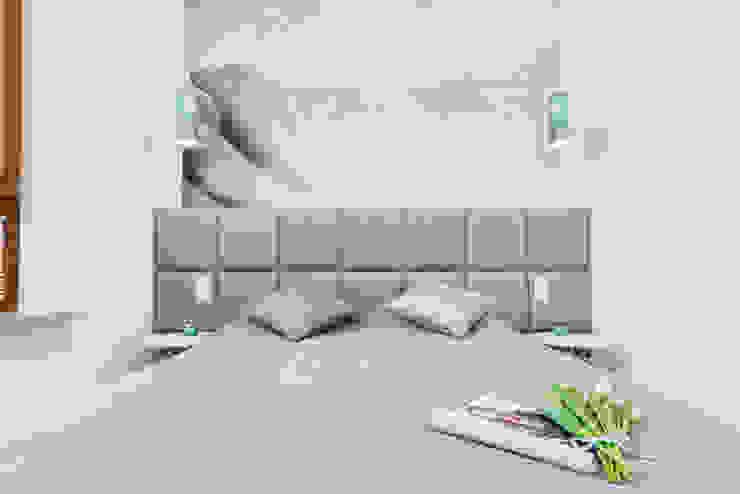 Lux Interiors - projektowanie i aranżacja wnętrz Gdańsk, Gdynia, Sopot Small bedroom