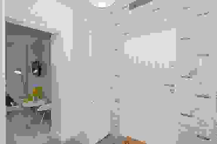 Lux Interiors - projektowanie i aranżacja wnętrz Gdańsk, Gdynia, Sopot Коридор