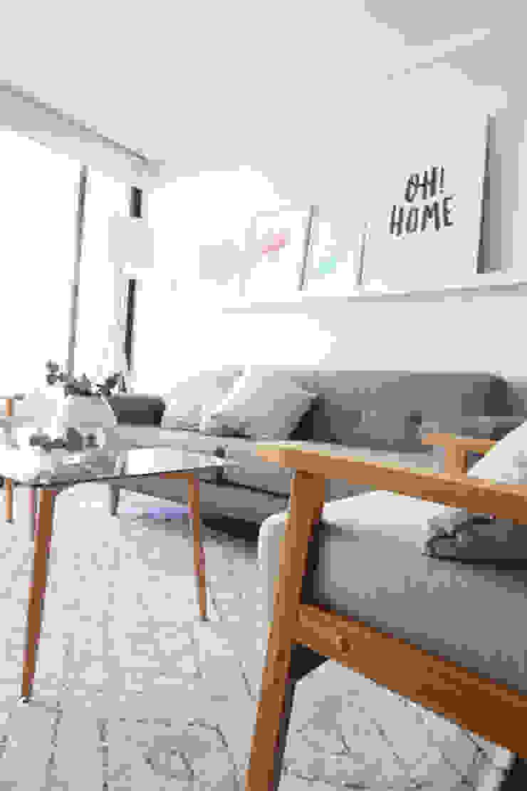 Proyecto Los Pozos Salas de estilo minimalista de Casa Nómade Minimalista