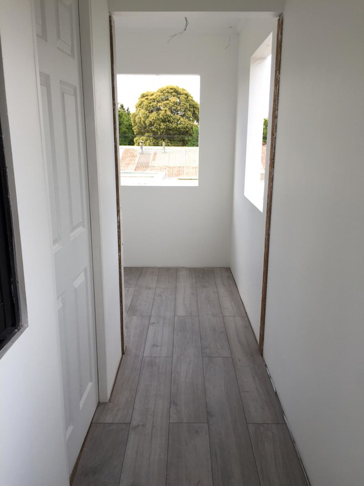Modern corridor, hallway & stairs by Estudio Arquitectura y construccion PR/ Remodelaciones y Diseño de interiores / Santiago, Rancagua y Viña del mar Modern