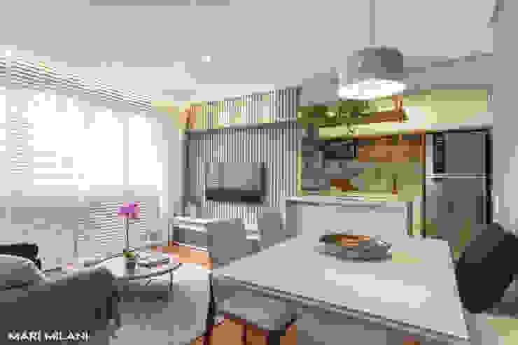 Apartamento pequeno Mooca Salas de jantar modernas por Mari Milani Arquitetura & Interiores Moderno