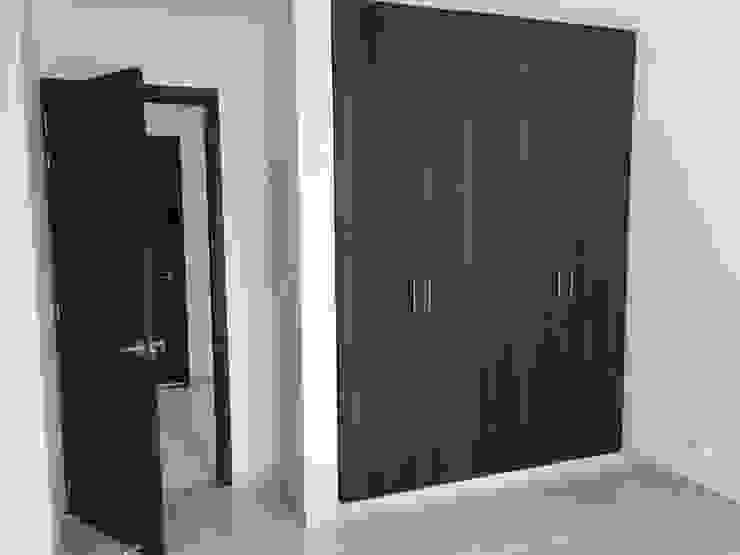 Minimalist bedroom by IDECO Minimalist Chipboard