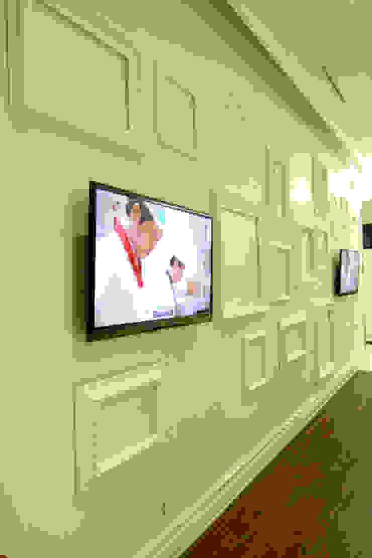 웨딩홀 뷔페인테리어 아트월 - 트리니티웨딩 모던 스타일 호텔 by IDA - 아이엘아이 디자인 아틀리에 모던