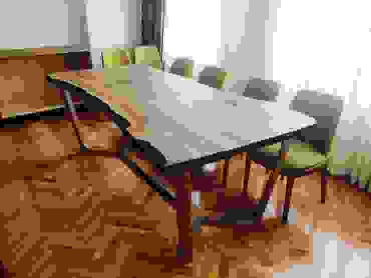 Hazine Dekorasyon – ceviz agacı masa ve sandalyeler: modern tarz , Modern Ahşap Ahşap rengi