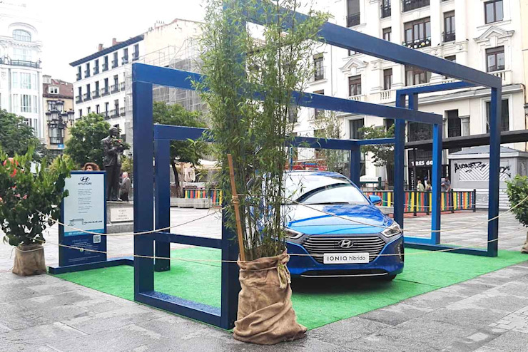 The Thin Blu Line Simona Garufi Concesionarios de estilo minimalista Madera Azul