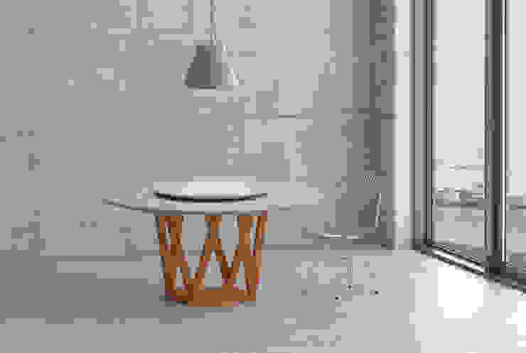 Tavolo diametro 160 cm di design legno e resina Mobili a Colori Sala da pranzo moderna Legno massello Variopinto