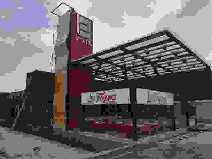 Restaurante taqueria: Centros Comerciales de estilo  por Creativo 84,