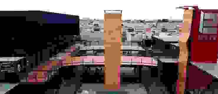 Vista aerea Plaza: Centros Comerciales de estilo  por Creativo 84,