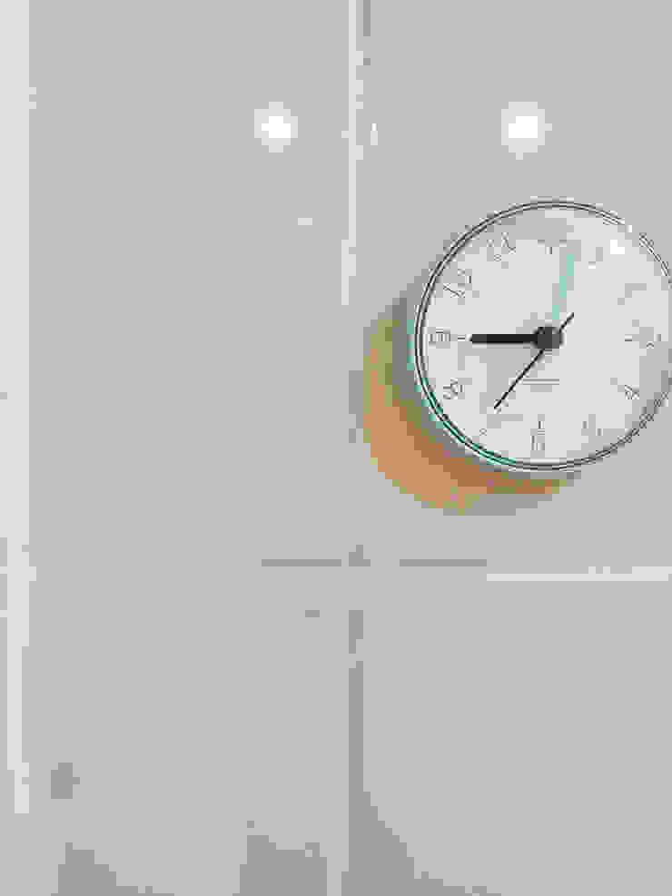 군포시 산본동 한라주공 아파트 인테리어 모던스타일 벽지 & 바닥 by 그리다집 모던 타일