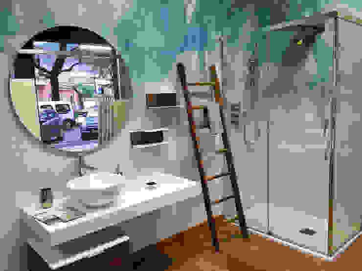 Studio Tre - Penta Group Tecnografica Pareti & Pavimenti in stile moderno Blu