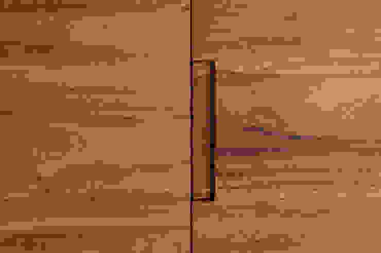 Modern dressing room by Maquiladora de Muebles Modern Wood Wood effect