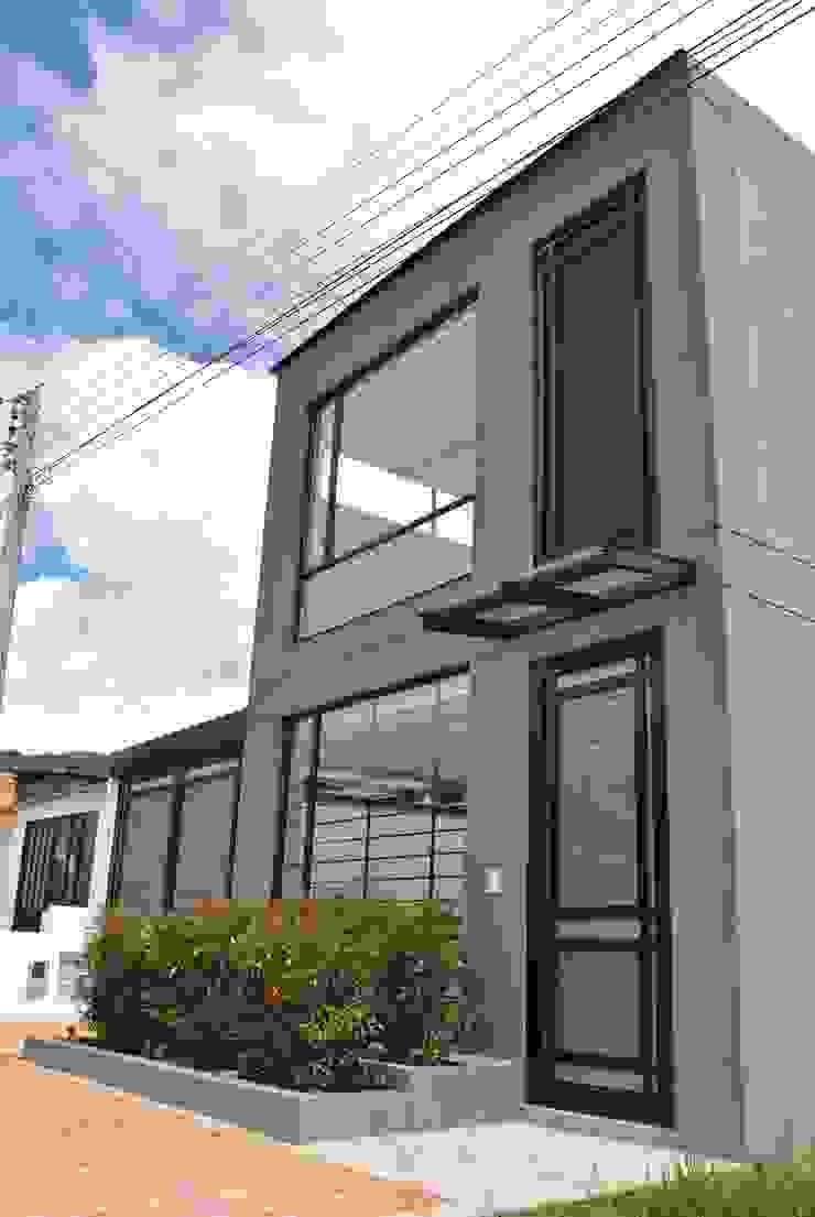 Fachada Principal de Francisco Forero Aponte - Arquitecto Moderno